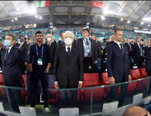 GRAZIANO E COME PER MAGIA APPARE DURANTE L'INAUGURAZIONE DI EURO2020